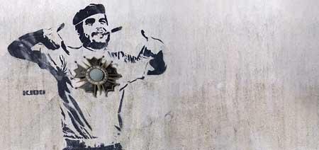 Fidel Castro no recibió de Álvaro Colom la orden del quetzal.