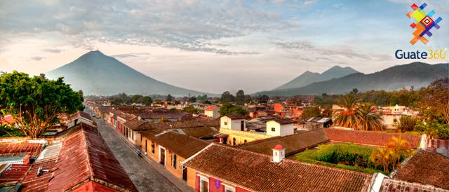 La Antigua Guatemala y sus volcanes