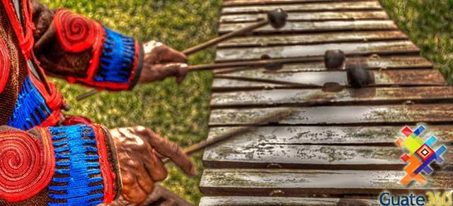 Música de Marimba de Guatemala - Poema por José Carlos Chiquín.