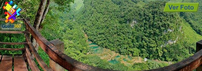 Semuc Champey visto desde el Mirador. En Alta Verapaz, Guatemala.