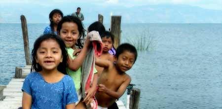 Vida de niños en Guatemala.