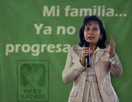 Sandra Torres y Álvaro Colom se divorciarían