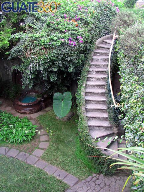 Fotos de mes n panza verde escaleras a la - Escaleras para jardin ...
