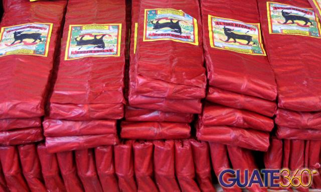 Guate360 Com Fotos De Los Cohetes Ametralladoras Toro Negro